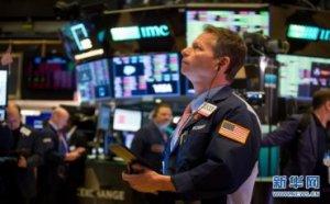 (国际)(1)纽约股市三大股指16日暴跌超11%