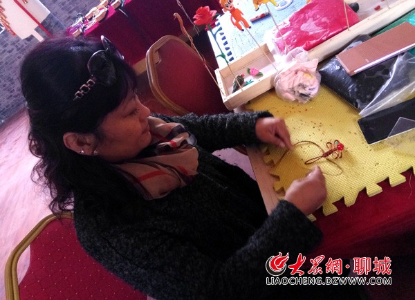 手工编织中国结凉鞋的步骤图解